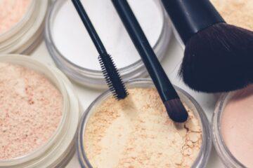 Jak wybrać dobre kosmetyki do makijażu?